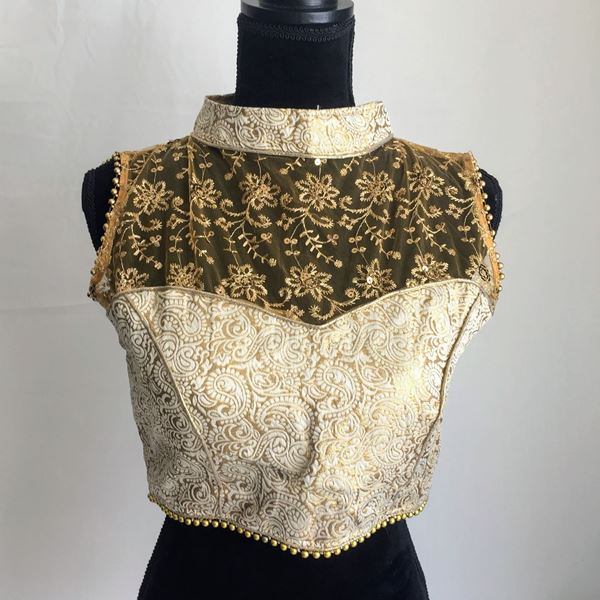 Picture of Halter neck blouse.