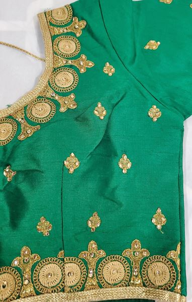 Picture of Green blouse