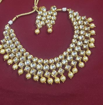 Picture of Kundan necklace