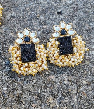 Picture of Black Gajra Earring